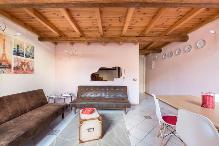 Mansarda (Attic with mezzanine)  Apartment Firenze