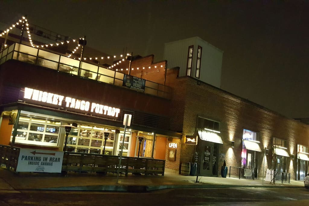Restaurants just around the corner! Whisky bar, Sushi/ramen, pizza, santiago's, and coffee shop