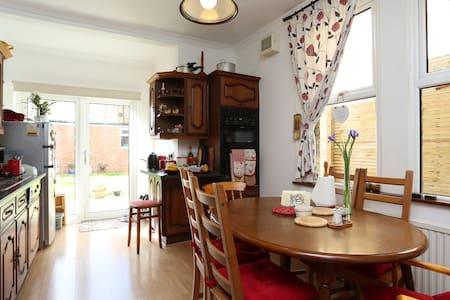 Twin Room in Beckenham - Beckenham