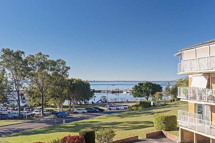 Teramby Court, 10/104 Magnus Street - in Nelson Bay CBD with water views and WIFI