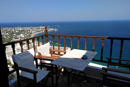 House in Skyros with an amazing sea view