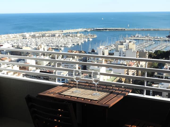 Alicante mirando al mar estudio