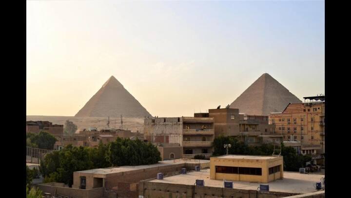 Farida Studio pyramids veiw