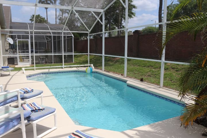 TM001OR - 4 bed pool home at The Manors, Westridge