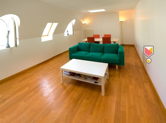 Modern & Safe Private Room In Central Paris Area