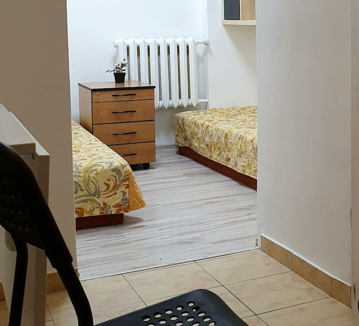 Apartment for 2 people near metro Natolin station