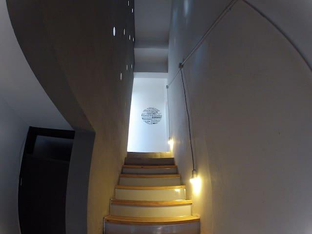 LOFT + TERRAZA + ASADOR - EXCELENTE UBICACION - Córdoba - Loft-asunto