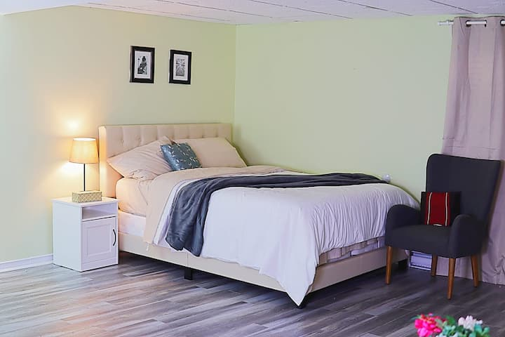 Comfy friendly basement suit Private bath-Gatineau