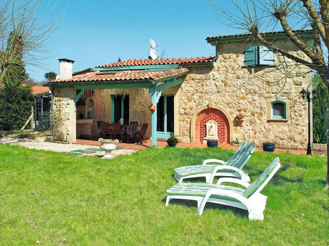 Holiday home in Gaillan-en-Medoc