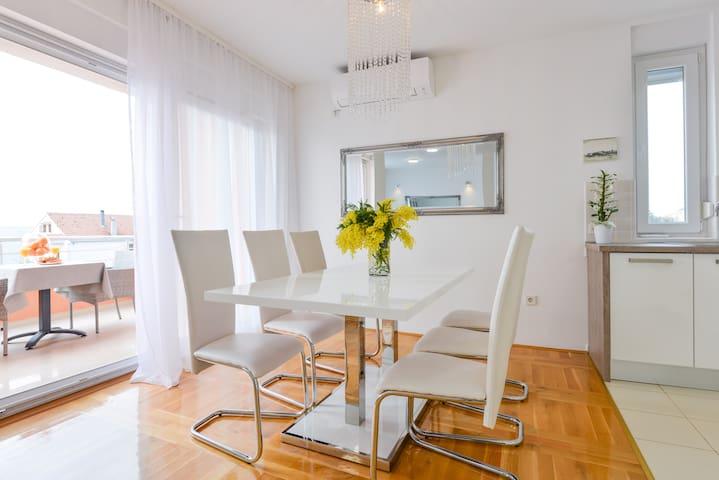 Apartment Haja