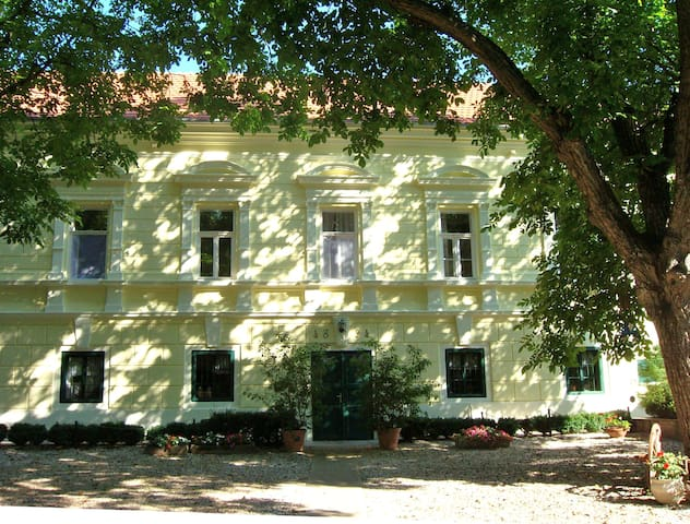Wohnen auf dem Landgut nahe Pécs - Manor near Pecs