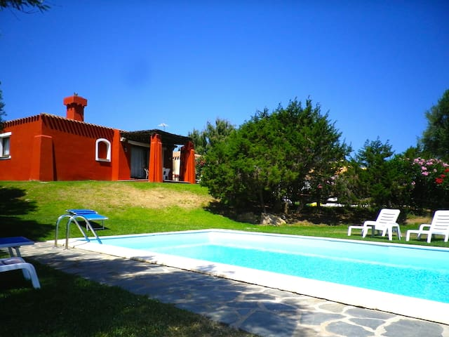 Vila Edo con piscina privata - Punta de Su Turrione - Huvila