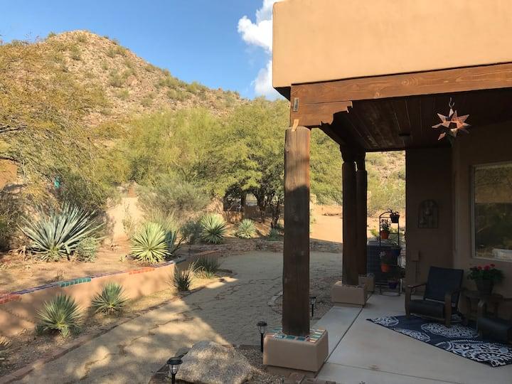 Private Suite, Quiet Desert Oasis w/ Tesla charger