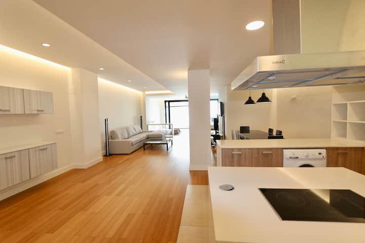 Loft minimalista con terraza y piscina privada