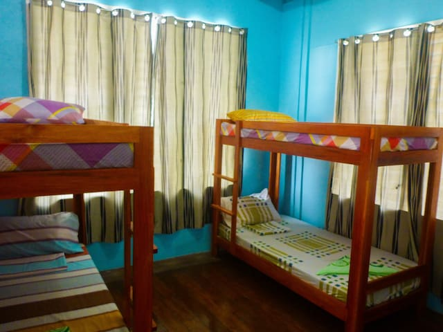 4-Bed Dorm Aventura Bnb Siquijor