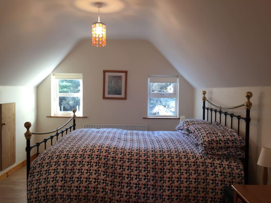Master Bedroom King Bed + EnSuite
