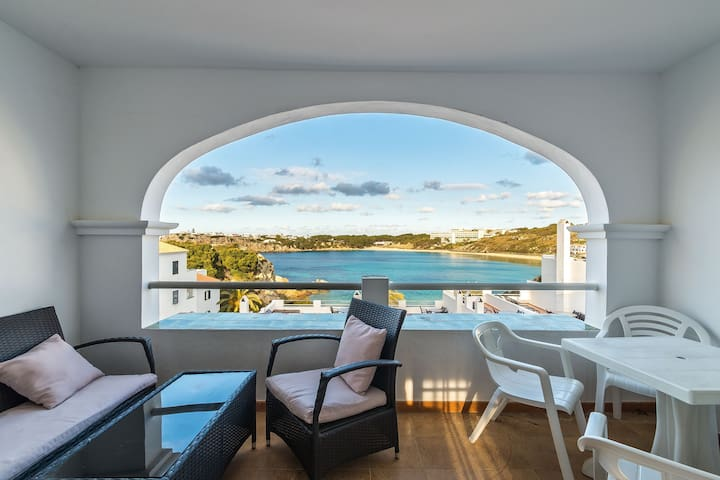 Beautiful Apartment with Wi-Fi, Pool, Terrace and Sea View