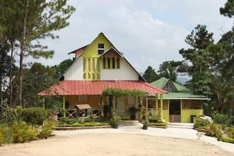 Acogedora villa de dos cabañas Los Montones-SAJOMA