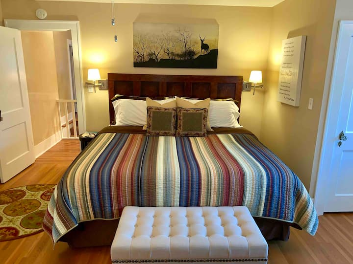 Inn at River Street: Longfellow Suite