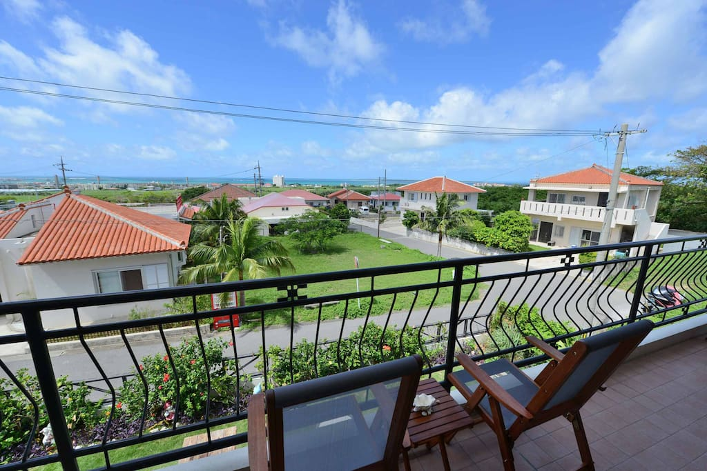 従陽台可看見竹富島及美麗的大海  従陽台可看見竹富島及美麗的大海