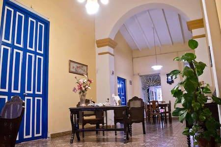 Hostal Las Tradiciones Hab I - Remedios - Szoba reggelivel
