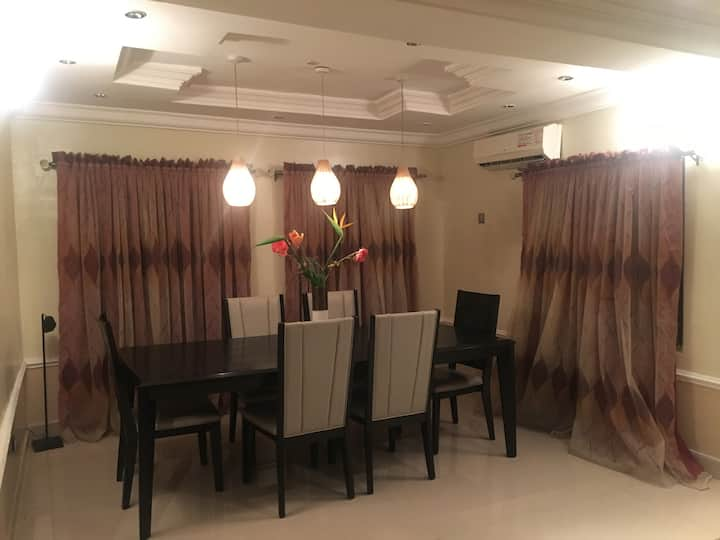 Beautiful, Clean, Cosy 2 bed Family home in Lekki