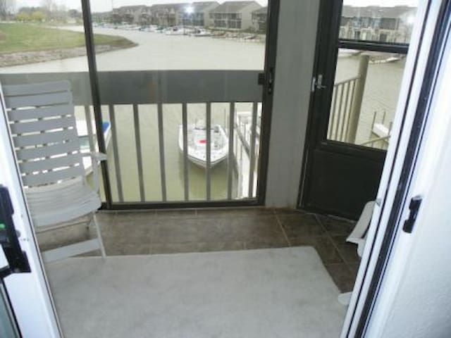 Waterfront Condo  - Oak Harbor - Oak Harbor - (ไม่ทราบ)