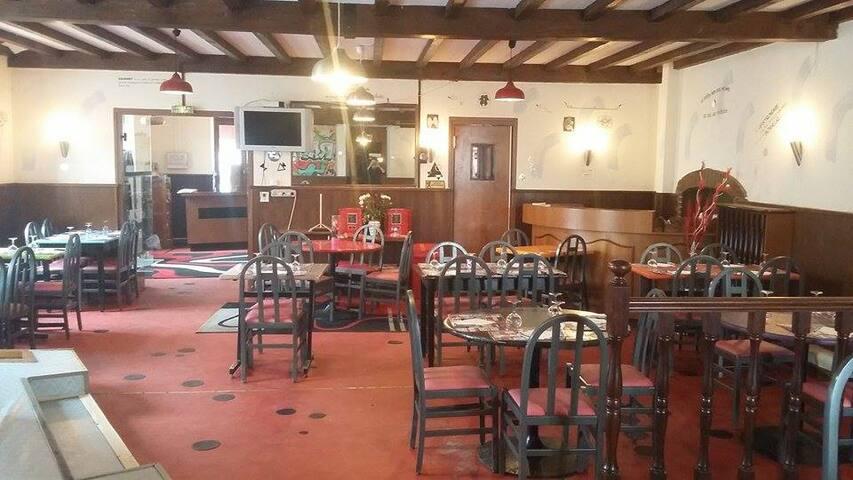 Chambre familialle 4 personnes - Saint-Pourçain-sur-Sioule - Guesthouse