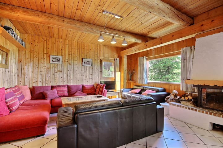 15 People chalet, close to slopes, 7 bedrooms with bathrooms