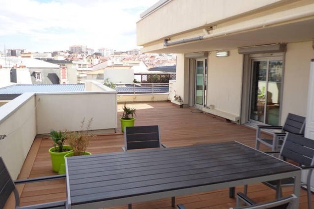 vue globale de la terrasse de 50 m2
