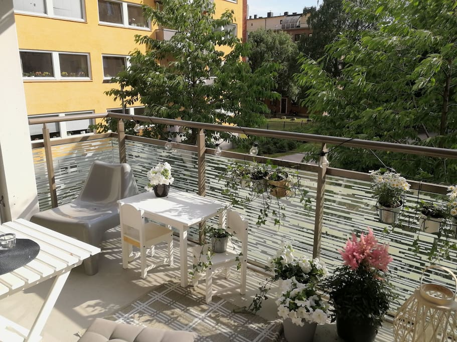 15 sqm balcony, here you and your family or travel companions can enjoy your breakfast or barbecue dinner.