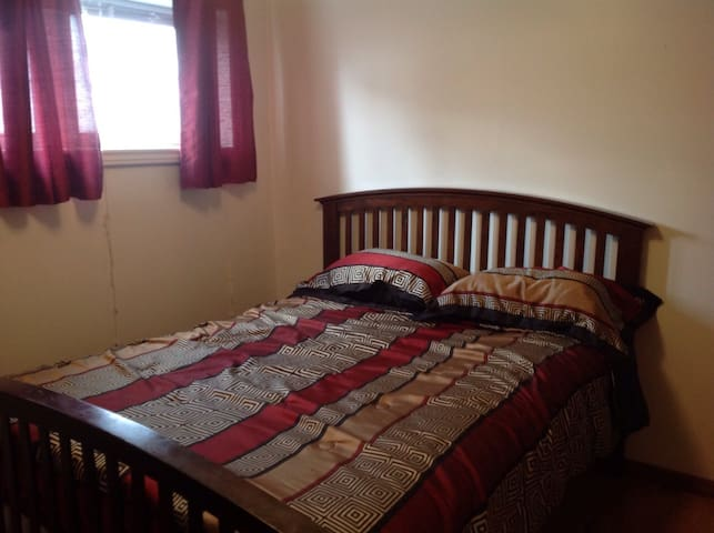 Comfortable Fully Furnished 2 BDRM Suites &Kitchen - Moncton - Apartamento