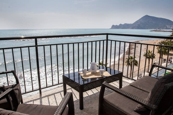 Luxury Beachfront Apartment in Altea