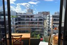 Sunny and Stylish Waterloo apartment
