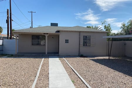 Minutes from the UA and Downtown Tucson! Remodeled