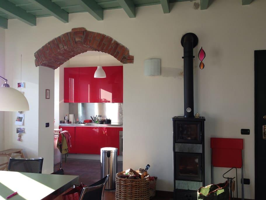 de Italiaanse stufo met bovenin een kleine oven