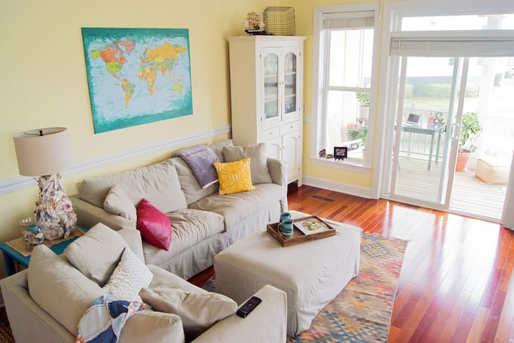Sunny Folly Beach Townhouse - Folly Beach - Townhouse