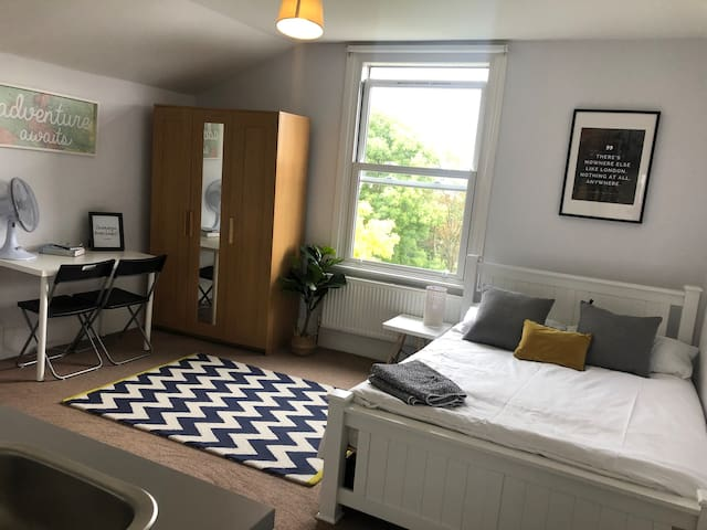 Comfortable flat for 2, short walk to Notting Hill