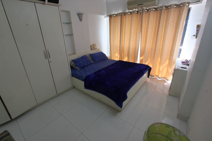1 Private Room in a Spacious 3BHK Apartment - Mumbai - Appartamento