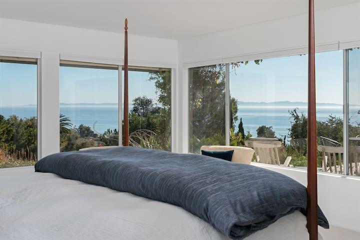 Panoramic Ocean-View Gem w/ Pool & Hot Tub