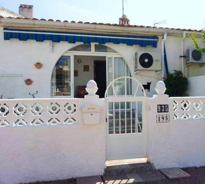 House with 2 bedrooms in Torrevieja, with wonderful lake view and terrace