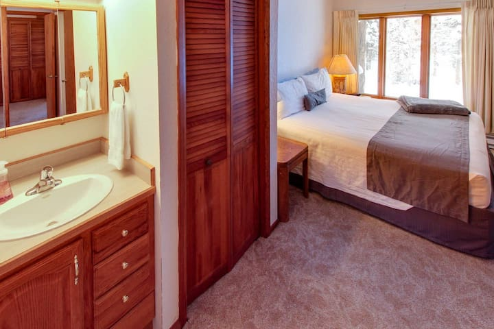 King bedroom with full bath on top (3rd) floor and Big Mountain views