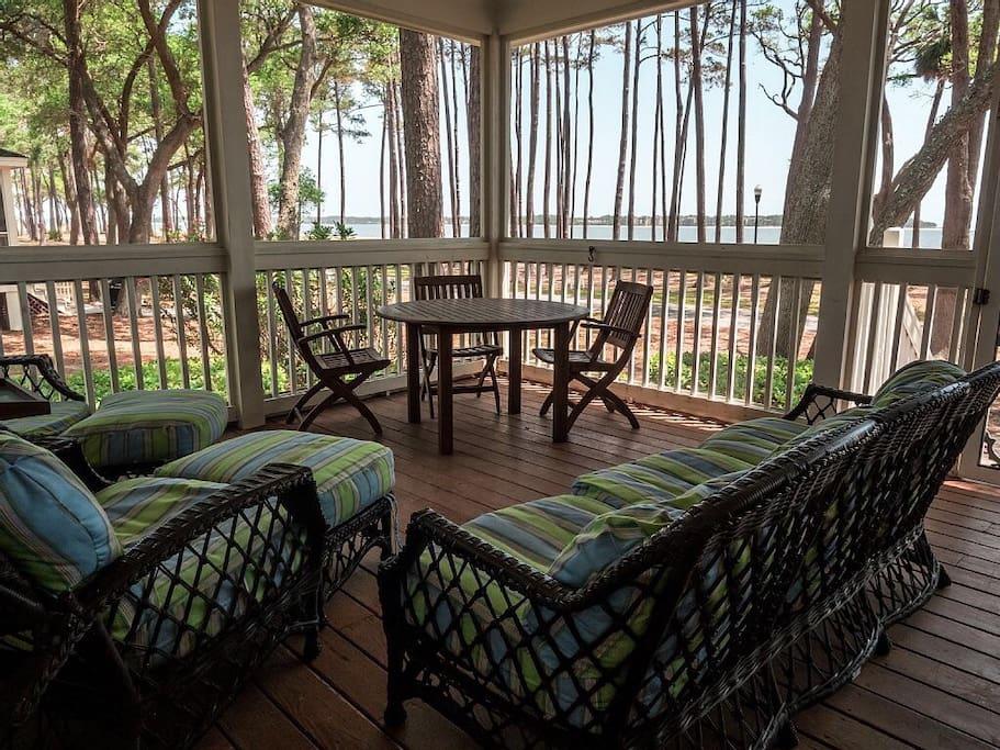 Comfy relaxing with ocean breezes