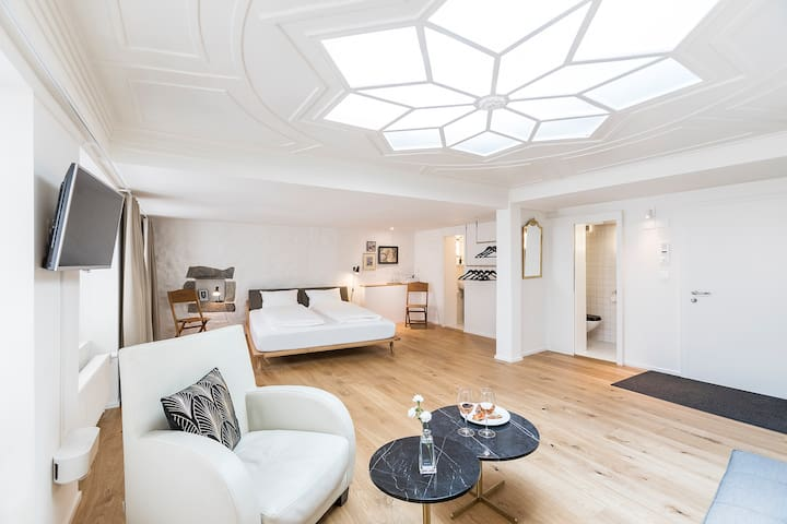 """Montmartre Zurich - Room """"Joséphine"""""""