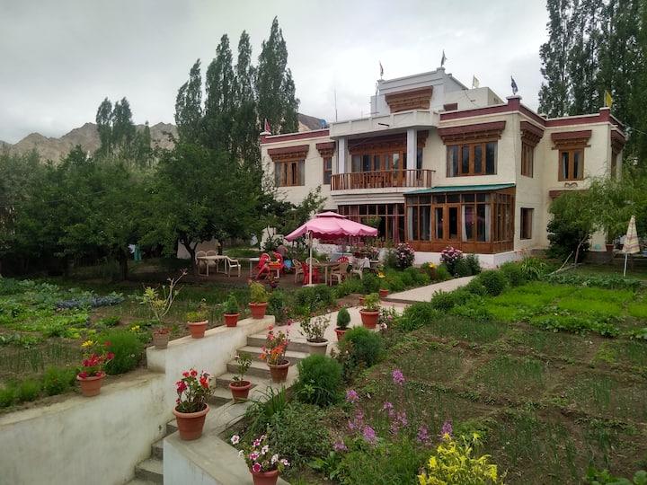Niri-La ladakh guest house leh