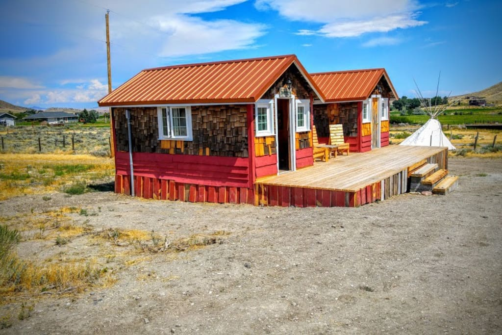 Cozy Rustic Cabin 5 Min From Cody 3 Cottages For Rent In