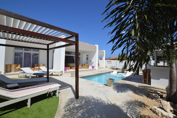 Zentasy Modern Private Villa & Pool close to Beach - Noord - Villa