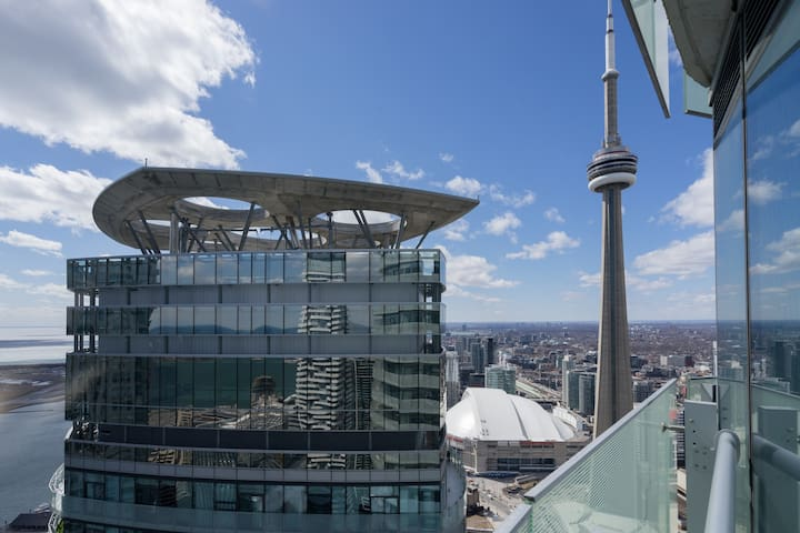 Views from the sky - 2 BR/2BTH Artistic Luxury