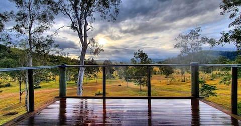 Wombat Creek Eco Lodge, 80 acres of solitude