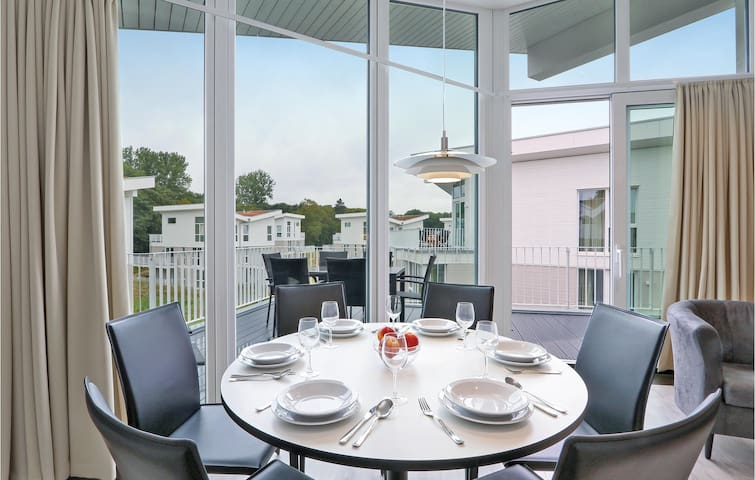 Holiday apartment with 1 bedroom on 72m² in Travemünde Waterfront